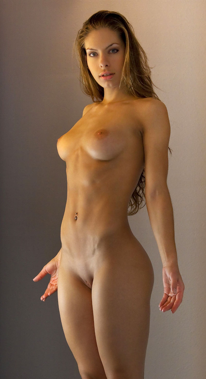 Fit hot nude woman