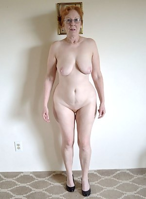 Naked granny pussy pictures